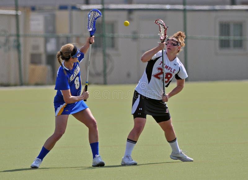 Lacrosse der NCAA-Frauen (LOCKER) stockfotos