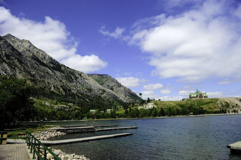Lacs Waterton d'hôtel de prince de Galles photographie stock