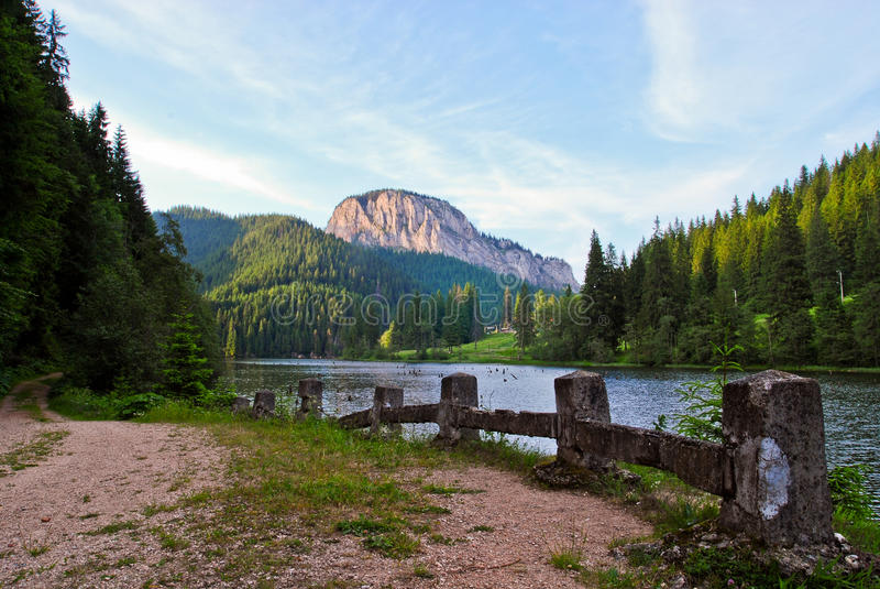 Lacul Rosu fotografie stock libere da diritti