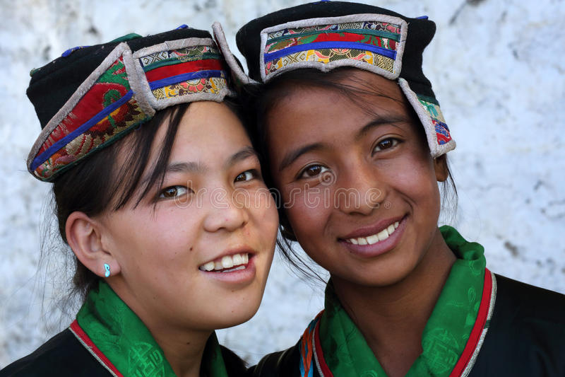 Ladakh-Festival 2013, schöne Mädchen mit Trachtenkleid lizenzfreie stockfotografie