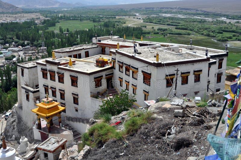Ladakh (poco Tíbet) - monasterio de Spituk en Leh imágenes de archivo libres de regalías