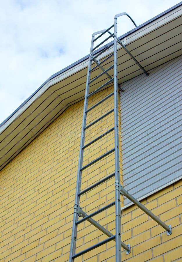 Ladder bij de bouw stock foto
