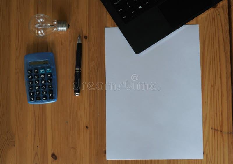Laddningar för elektrisk räkning arkivfoto