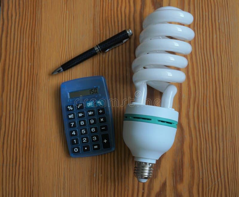 Laddningar för elektrisk räkning arkivfoton