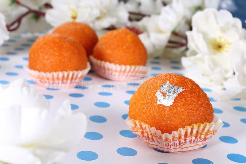 Laddu-Ladoo - laddu plat-frais bonbon-doux indien photo libre de droits