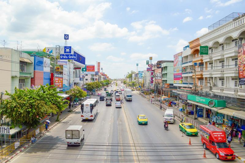 Ladkrabang路在Huatakea,曼谷,泰国 库存照片