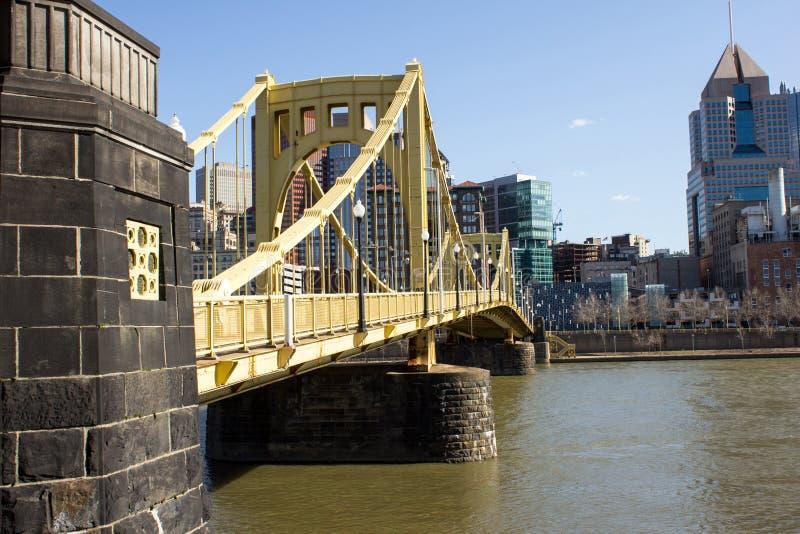 Lado amarillo del puente fotografía de archivo libre de regalías