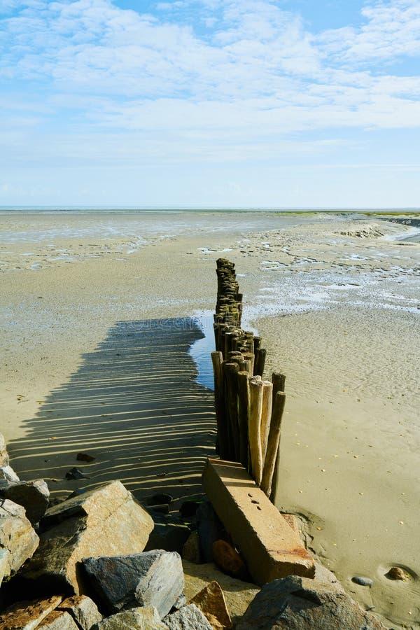 Lado de mar em Brittany, ondes do DES do benoît de Saint, França imagem de stock