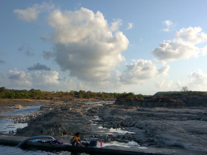 Lado del río foto de archivo