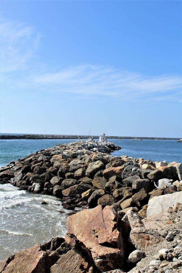 Lado do oceano de Portifino Califórnia da passagem da baía em Redondo Beach, Califórnia, Estados Unidos fotos de stock