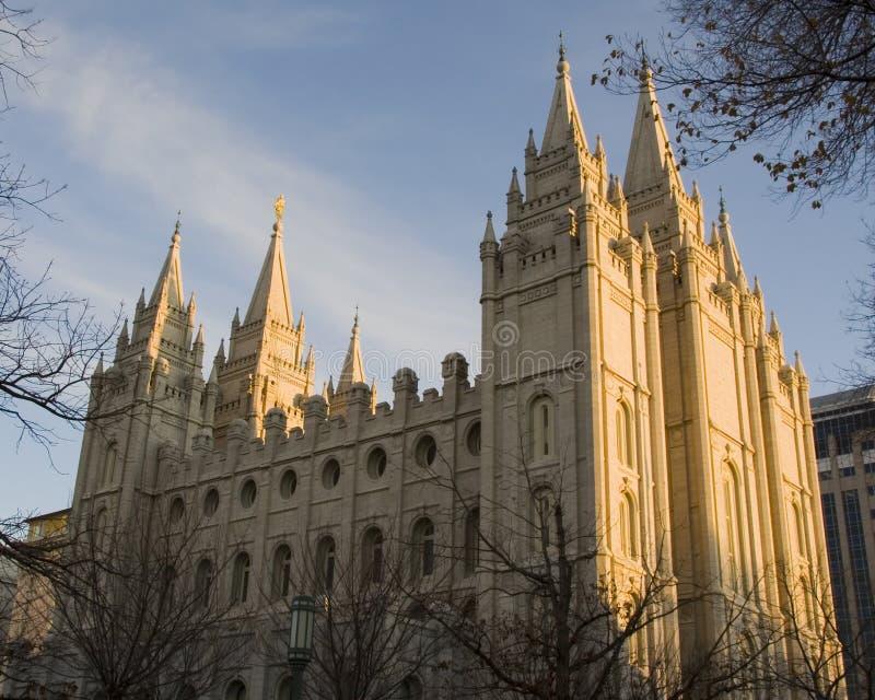 Lado norte del templo de Salt Lake en la oscuridad foto de archivo