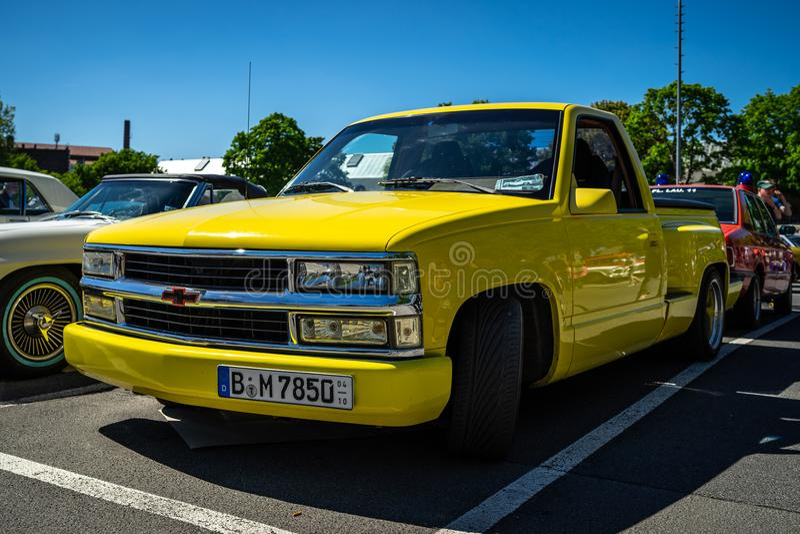 Lado sem redução Silverado da etapa de Chevrolet C1500 do camionete, 1991 fotografia de stock royalty free