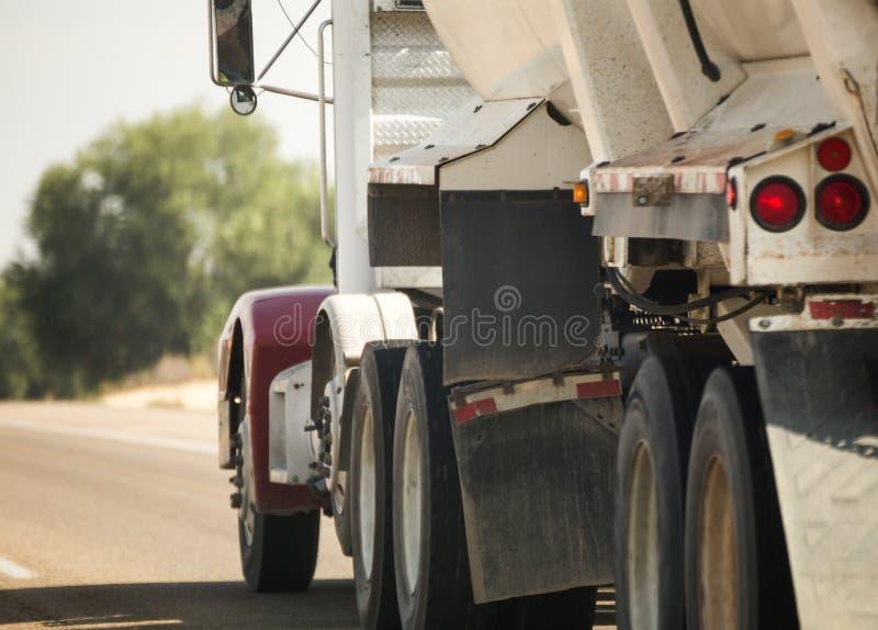 Lado semi del camión fotografía de archivo