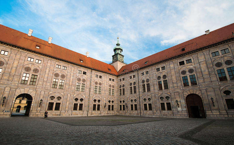 Lado velho da construção do Residenz em Munich fotografia de stock royalty free
