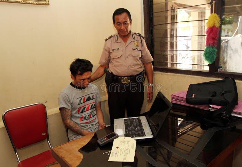 Ladrón del ordenador portátil imagen de archivo libre de regalías