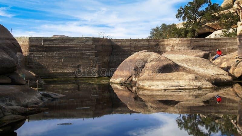 Ladrador Dam em Joshua Tree National Park imagem de stock royalty free