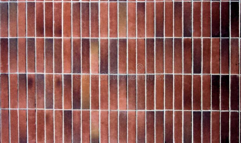 Ladrillos alargados apilados foto de archivo