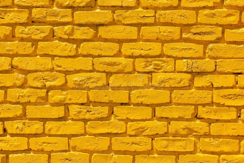 Ladrillos amarillos de la pared foto de archivo imagen - Ladrillos de colores ...