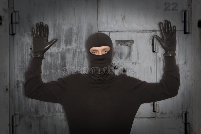 Ladro con la passamontagna fotografie stock libere da diritti