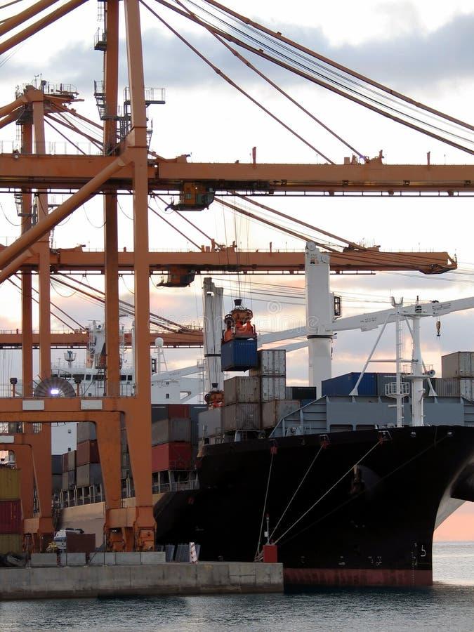 Download Ladungserie 4 stockfoto. Bild von unloading, transport, lieferung - 41606