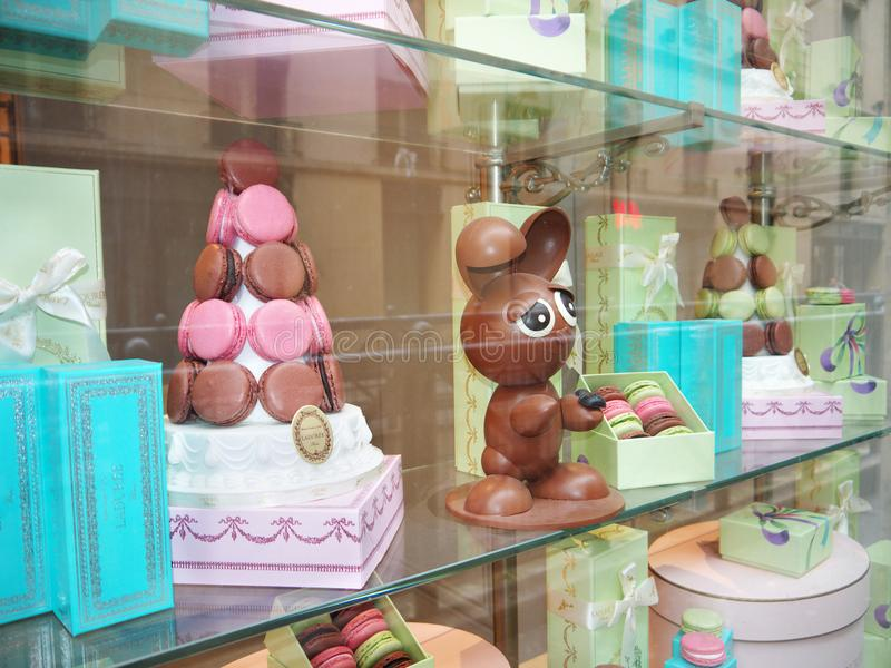 Ladurée Pasen Bunny Printemps Haussmann Paris stock afbeeldingen