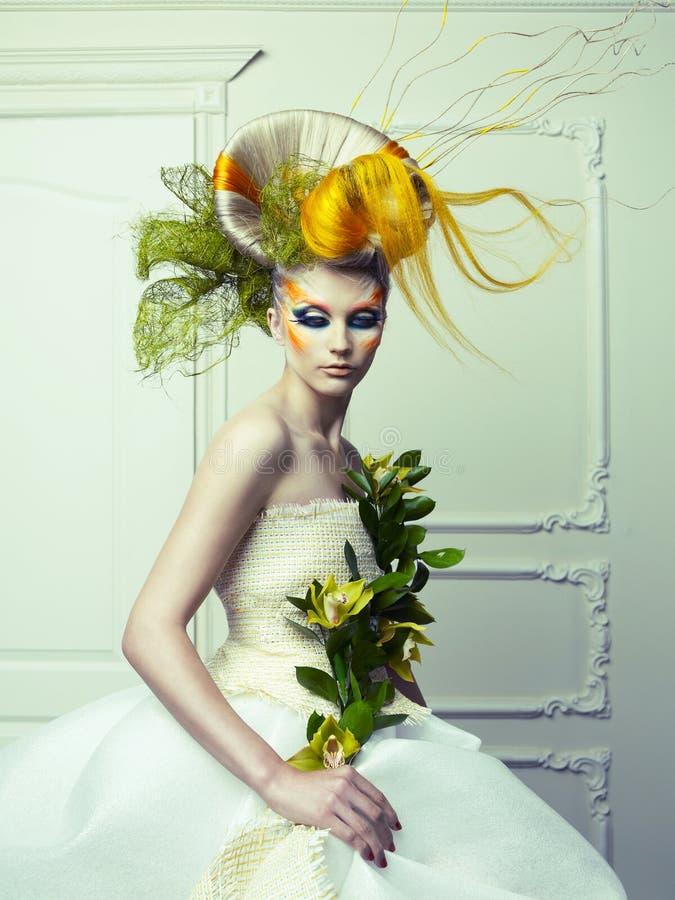 Lady med avantgardehår royaltyfri foto