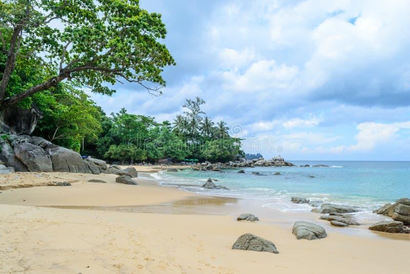 Laem Singh Beach est l'une des plages les plus belles de Phuket photo stock