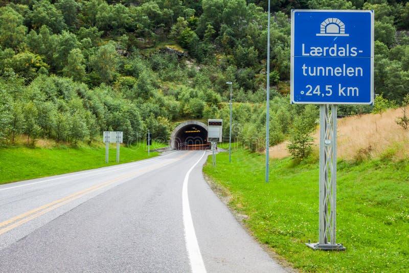 Laerdaltunnel in Noorwegen - de langste wegtunnel in de wereld royalty-vrije stock foto's