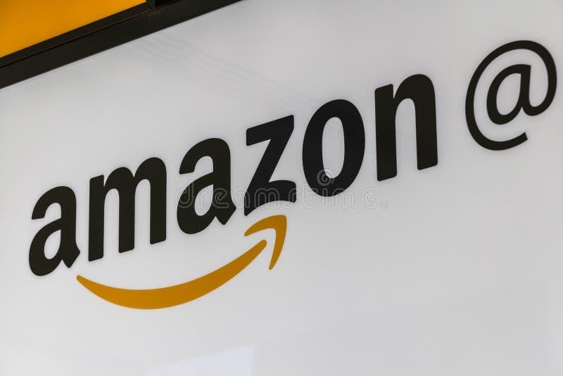 Lafayette - cerca do fevereiro de 2017: Loja das Amazonas em Purdue Os clientes de uma loja do tijolo-e-almofariz podem receber p imagem de stock royalty free