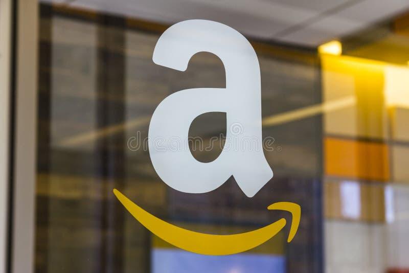 Lafayette - circa im Februar 2017: Amazonas-Speicher bei Purdue Kunden eines Ziegelstein-undmörserspeichers können Produkte von A
