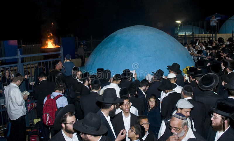 Download Lag Ba'omer editorial photography. Image of messiah, burn - 25725102