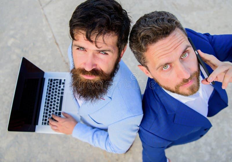 Lag för affärsexpertservice, bästa sikt Egenföretagande som teamwork Försäljningar och online-transaktion Försäljningsavdelning fotografering för bildbyråer