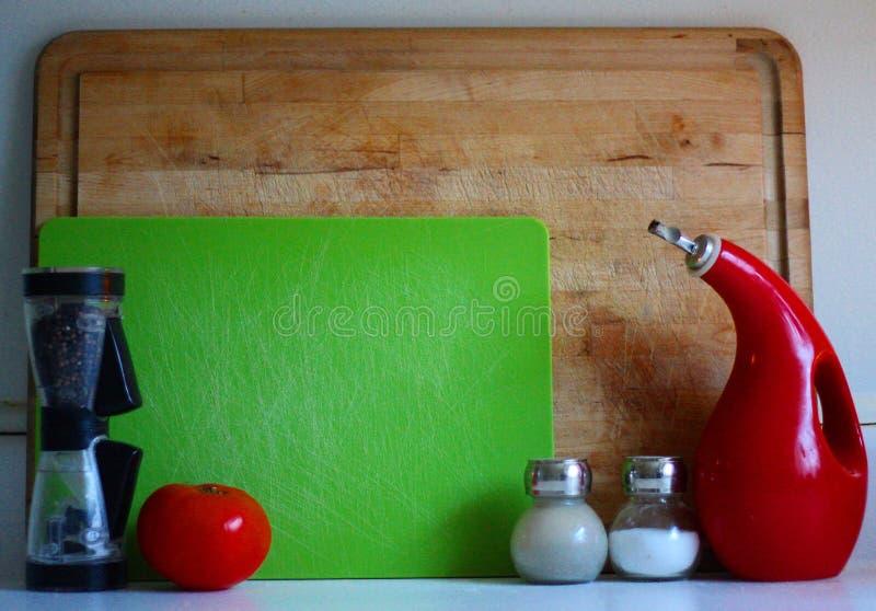 laga mat den moderna klara tabellen för nytt fruktkök till grönsaker royaltyfri bild
