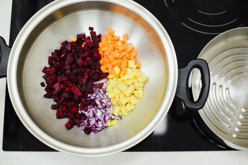 Laga mat en vegetarisk matställe royaltyfri foto