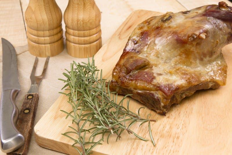 Lagad mat walesisk lammskuldra royaltyfria bilder