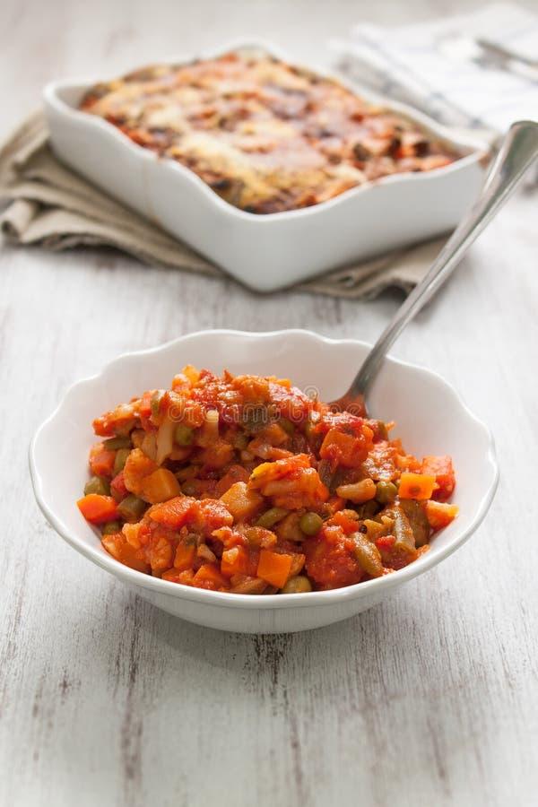 Lagade mat veggies för vegetarisk lasagne royaltyfri bild