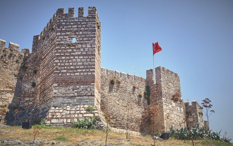 Lage hoek van het kasteel van Selcuk in Byzantijn in Anatolië, Turkije stock afbeelding