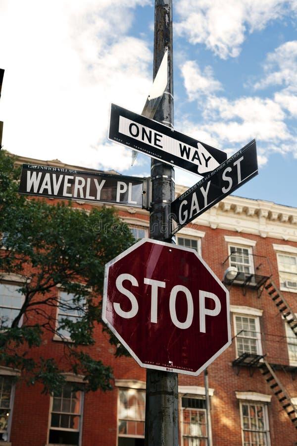 Waverly Pl. & Het Vrolijke St. Dorp Manhattan van het Westen van het Teken van de Straat royalty-vrije stock foto