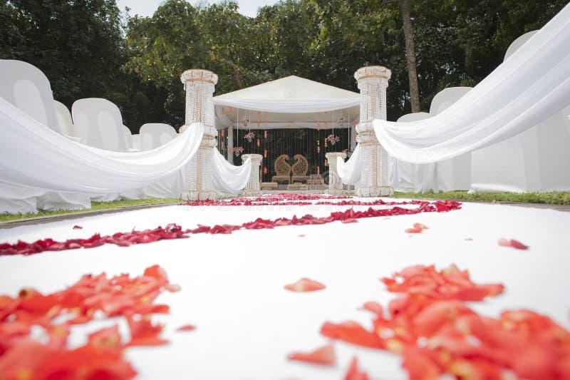 Lage hoekmening van Hindoes Indisch huwelijksdecor en trefpunt royalty-vrije stock afbeeldingen