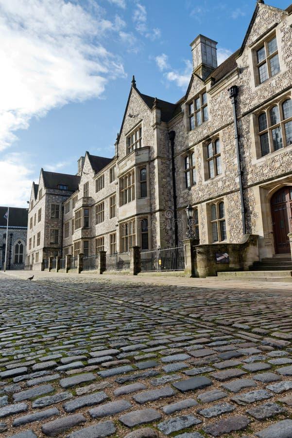 Lage hoekmening van oude Britse stadshuizen royalty-vrije stock afbeelding