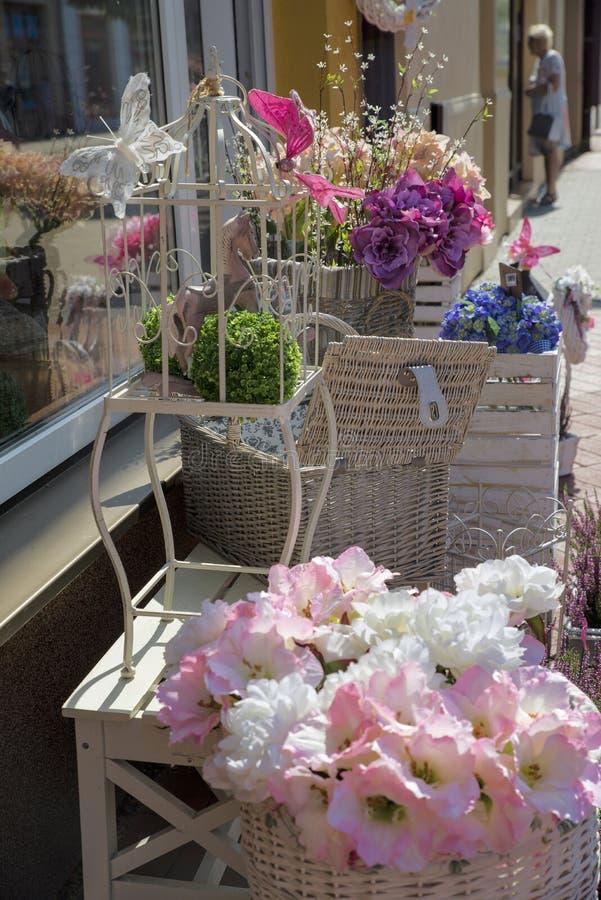 Lager för konstgjord blomma royaltyfri fotografi