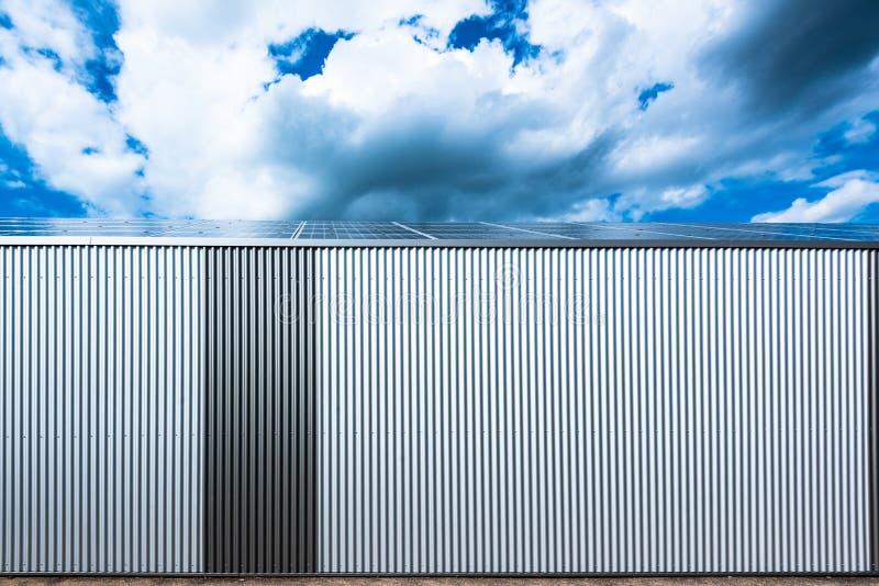 Lager med solpaneler fotografering för bildbyråer