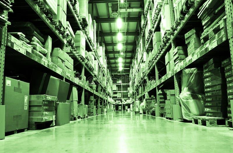 Download Lager - underview stockfoto. Bild von ausrüstung, ablagerung - 27726150