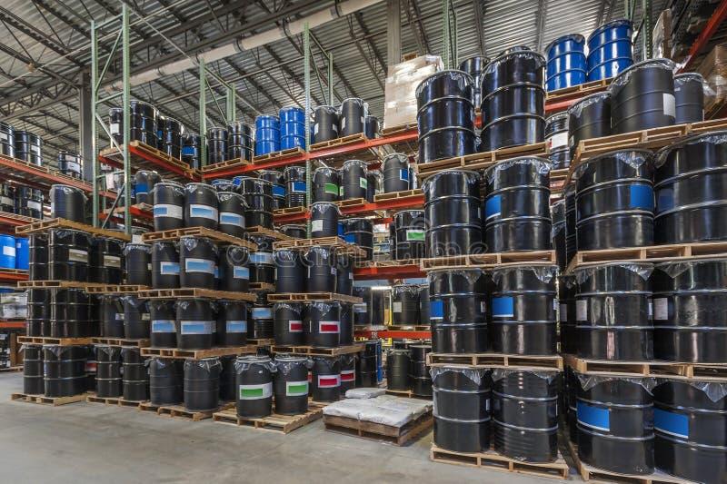 Lagerchemikalienlager lizenzfreie stockfotografie