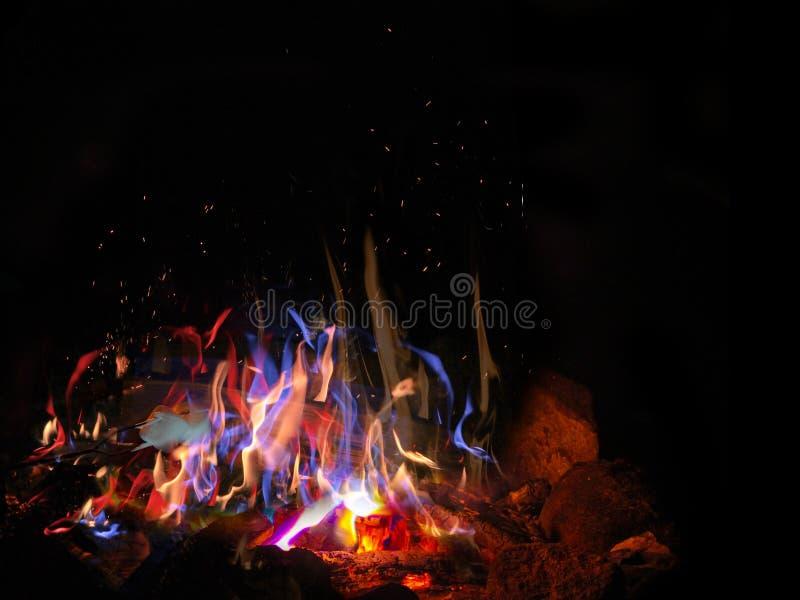 Lagerfeuer und Eibisch stockfotografie