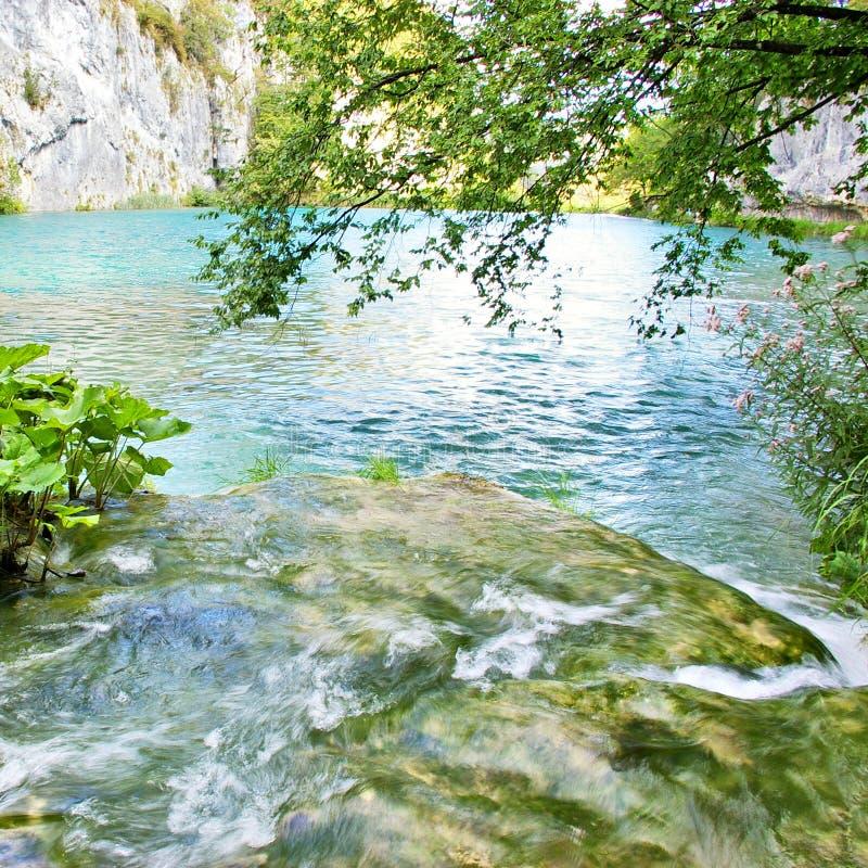 laghi e cascate fotografie stock