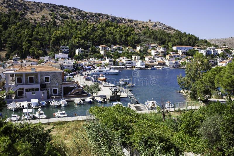 Lagkada村庄大角度看法在希俄斯海岛 免版税库存图片