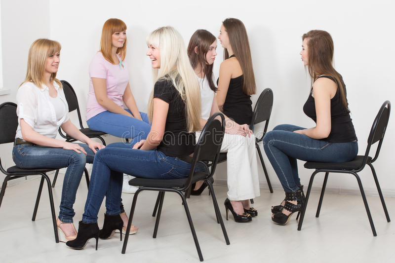 Lagledare och stödgrupp under psykologiskt fotografering för bildbyråer