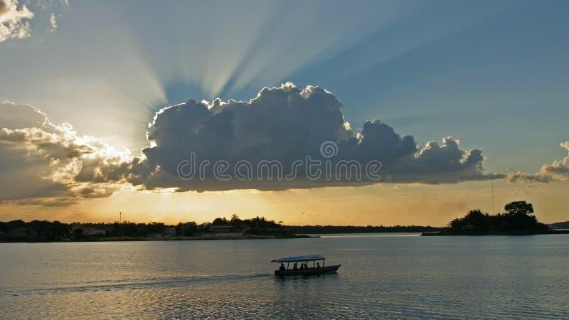 Lago在isla de弗洛勒斯危地马拉附近peten itza 库存图片