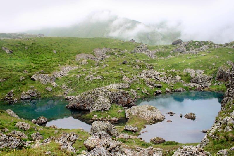 Lago Abudelauri em Khevsureti (Geórgia) foto de stock royalty free